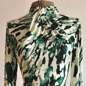 Flattering green print pencil dress XS